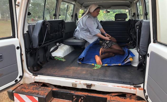 Ziekenauto biedt meer mensen hulp